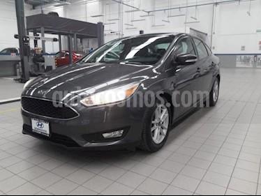 Ford Focus 4p SE L4/2.0 Man usado (2017) color Gris precio $219,000