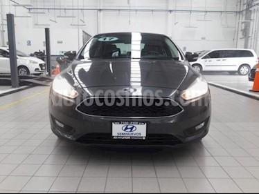 Foto venta Auto usado Ford Focus 4p SE L4/2.0 Man (2017) color Gris precio $249,000