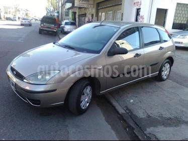 Foto venta Auto usado Ford Focus 5P 1.6L Ambiente  (2009) color Dorado precio $182.000