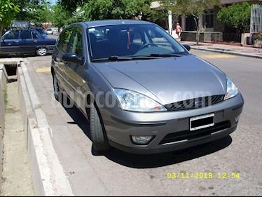 Foto venta Auto Usado Ford Focus 5P 1.6L Edge (2007) color Gris precio $186.000