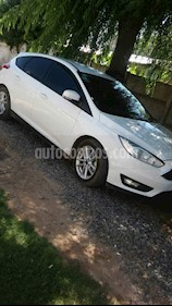 Ford Focus 5P 1.6L S usado (2016) color Blanco precio $720.000