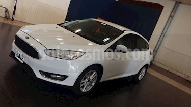 Foto Ford Focus 5P 1.6L S usado (2015) color Blanco precio $552.000