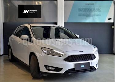Foto Ford Focus 5P 1.6L S usado (2016) color Blanco precio $580.000
