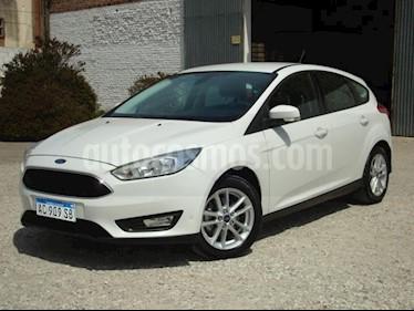 Foto Ford Focus 5P 1.6L S usado (2018) color Blanco precio $480.000