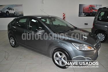 Foto venta Auto Usado Ford Focus 5P 1.6L Trend (2012) color Gris Mercurio