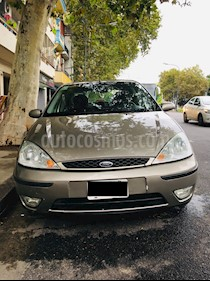 Foto Ford Focus 5P 1.8L Ghia TDCi (115 Cv) usado (2005) color Perla Ocre precio $165.000