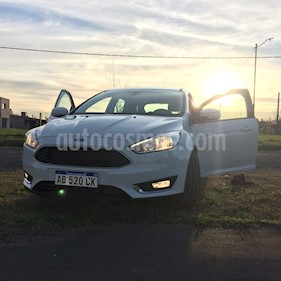 Foto venta Auto usado Ford Focus 5P 2.0L SE Plus Aut (2017) color Blanco Oxford precio $790.000