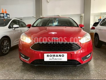 Foto venta Auto usado Ford Focus 5P 2.0L SE Plus Aut (2016) color Rojo Bari precio $710.000
