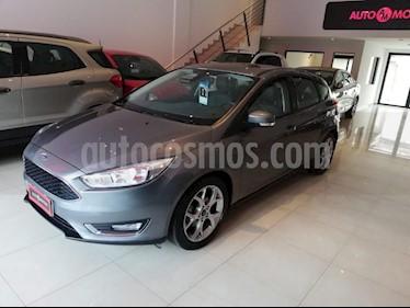 Foto venta Auto usado Ford Focus 5P 2.0L SE Plus (2017) color Gris Oscuro precio $620.000