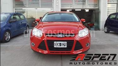 Foto venta Auto usado Ford Focus 5P 2.0L SE Plus (2014) color Rojo precio $530.000