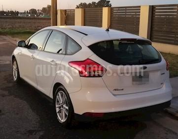 Ford Focus 5P 2.0L SE usado (2015) color Blanco precio $460.000