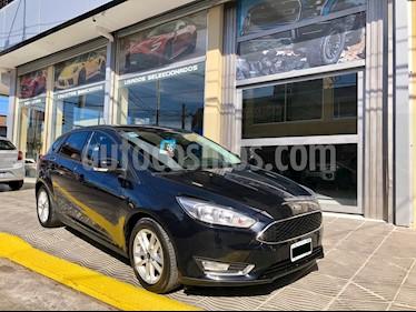 Foto venta Auto usado Ford Focus 5P 2.0L SE (2016) color Negro Perla precio $489.000