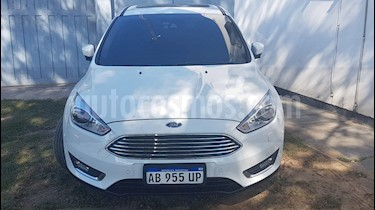 Ford Focus 5P 2.0L Titanium Aut usado (2017) color Blanco precio u$s15.000