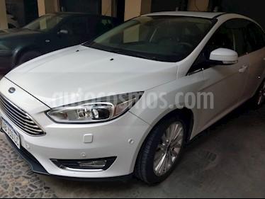 Foto venta Auto Usado Ford Focus 5P 2.0L Titanium Aut (2017) color Blanco Oxford precio $680.000