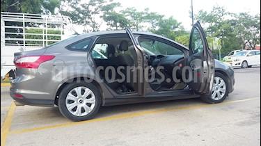 Foto venta Auto Seminuevo Ford Focus Ambiente Aut (2014) color Cafe precio $145,000