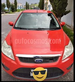 Ford Focus Ambiente usado (2010) color Rojo precio $77,000