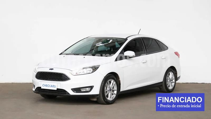 Ford Focus 5P 1.6L S usado (2019) color Blanco Oxford precio $1.342.000