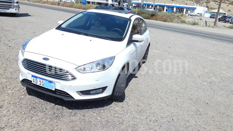 Ford Focus 5P 2.0L Titanium Aut usado (2018) color Blanco Oxford precio u$s15.500