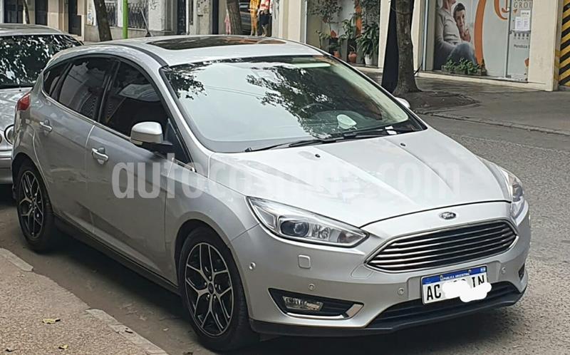 Ford Focus 5P 2.0L Titanium Aut usado (2018) color Gris precio $1.250.000