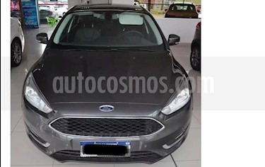 Foto Ford Focus 5P 2.0L SE Plus usado (2017) color Gris precio $915.000