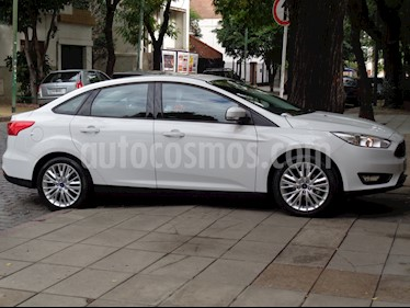foto Ford Focus 5P 2.0L SE Plus usado (2016) color Blanco precio $950.000