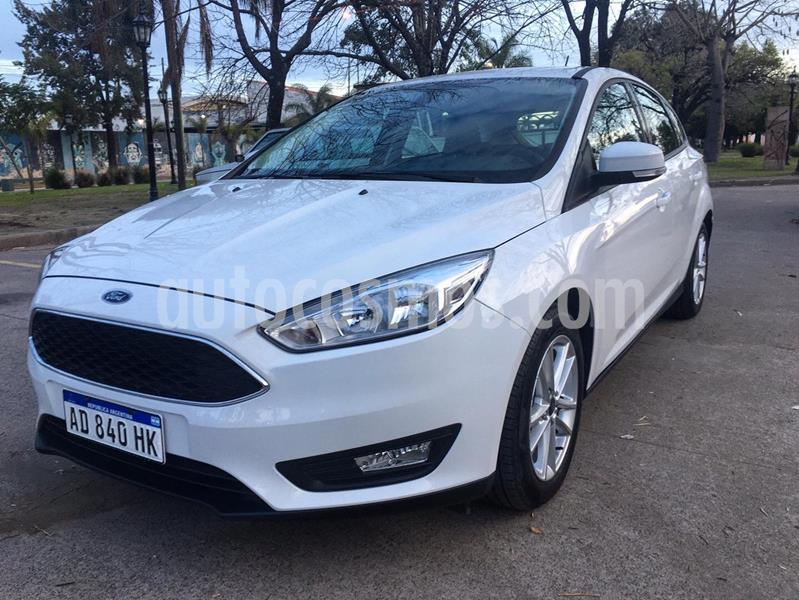 Ford Focus 5P 1.6L S usado (2019) color Blanco precio $1.250.000