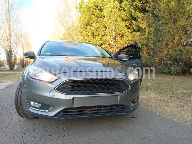Ford Focus 5P 2.0L SE Plus Aut usado (2015) color Gris Mercurio precio $886.200