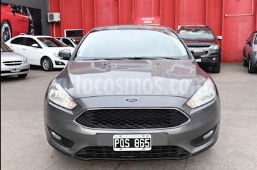 Foto Ford Focus 5P 1.6L S usado (2016) color Gris Claro precio $615.000