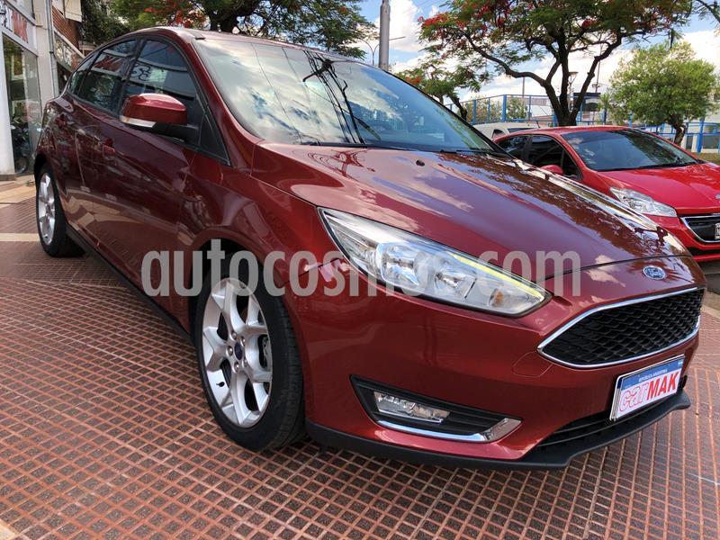 Ford Focus 5P 2.0L SE Plus Aut usado (2017) color Rojo precio $1.649.990