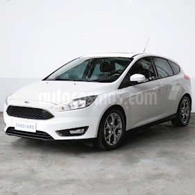 Ford Focus 5P 2.0L SE Plus usado (2017) color Blanco precio $1.067.000