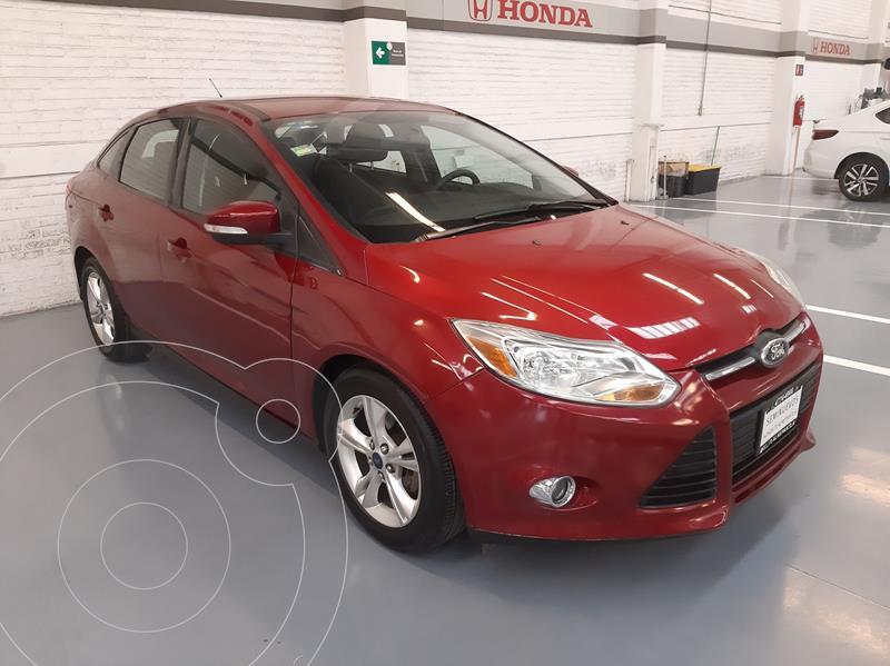 Foto Ford Focus SE Aut usado (2013) color Rojo precio $133,000