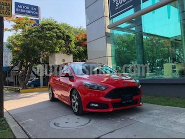 Ford Focus SE Aut usado (2017) color Rojo precio $385,000