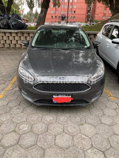 Ford Focus SE usado (2017) color Gris Mercurio precio $230,000