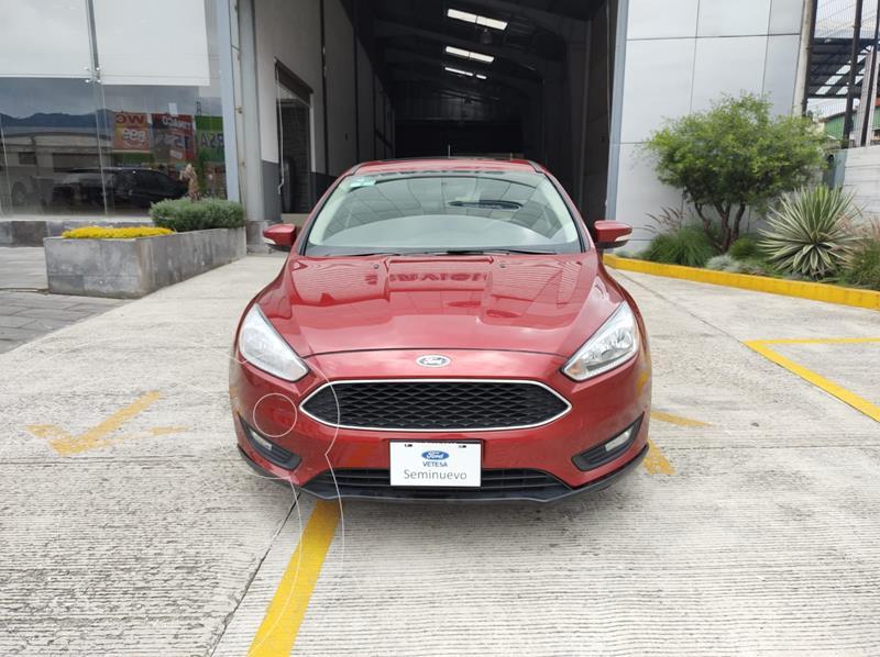 Foto Ford Focus SE usado (2017) color Rojo precio $239,000