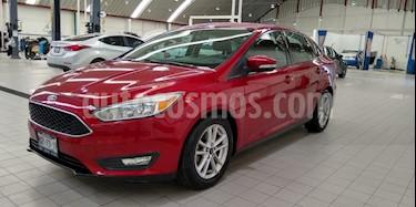 Ford Focus SE Aut usado (2015) color Rojo precio $150,200