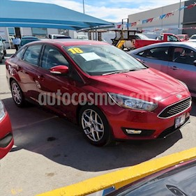 Ford Focus SE Luxury Aut usado (2016) color Rojo precio $218,000