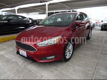 Ford Focus SE 4 PTAS AT usado (2015) color Rojo precio $175,000
