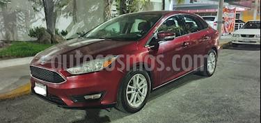 Foto Ford Focus SE Aut usado (2016) color Rojo precio $173,000