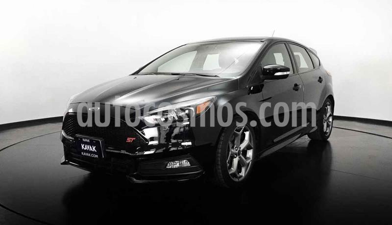 Ford Focus Version usado (2017) color Negro precio $399,999