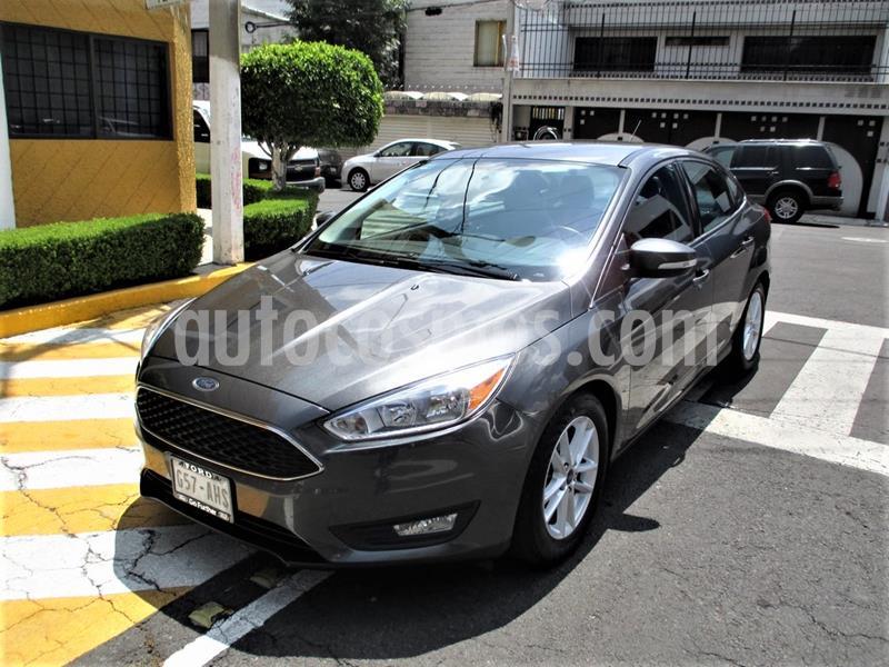 Ford Focus SE Aut usado (2016) color Gris Mercurio precio $179,900