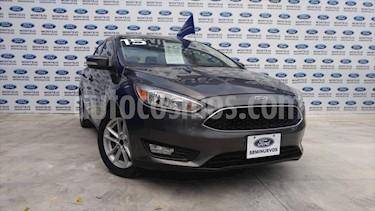 Ford Focus SE 4 PTAS AT usado (2015) color Gris precio $170,000