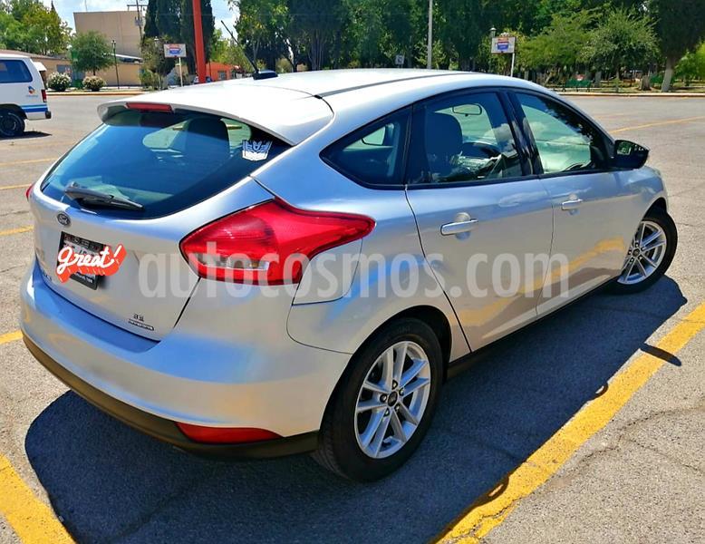 Ford Focus SE usado (2015) color Plata Estelar precio $180,000