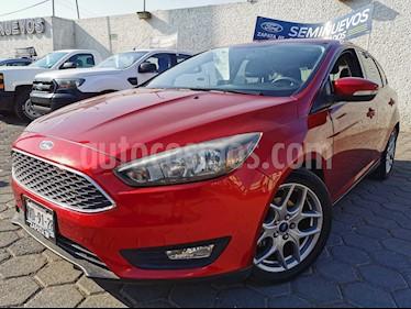 Ford Focus Ambiente Aut usado (2015) color Rojo Granate precio $185,000