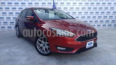Ford Focus APPEARANCE 4 PTAS AT usado (2015) color Rojo precio $180,000