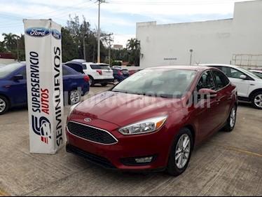 Foto venta Auto Seminuevo Ford Focus SE 4-ptas AT (2015) color Rojo precio $185,000