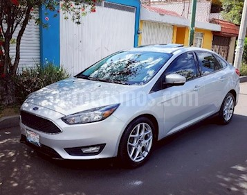 Ford Focus SE Appearance Aut usado (2015) color Plata precio $180,000