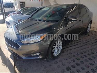 Foto venta Auto Seminuevo Ford Focus SE TA 4 PTAS (2015) color Gris precio $189,000