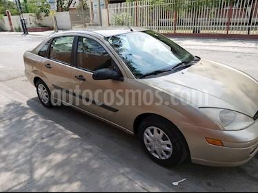 Ford Focus SE usado (2001) color Bronce precio $42,000