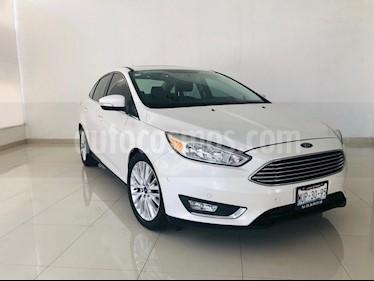 Foto venta Auto usado Ford Focus Titanium Aut (2015) color Blanco Platinado precio $199,900
