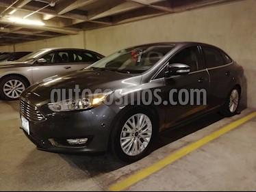 Ford Focus Titanium Aut usado (2015) color Negro precio $220,000
